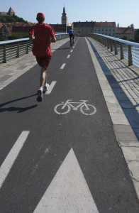 cyclist-and-jogger-1353678-m.jpg