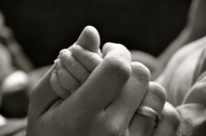 hands-1402625-m.jpg