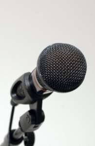 microphone-1370587-m.jpg