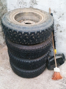tyres-1446041-m.jpg
